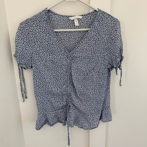 H&M blue and white flora cinched top